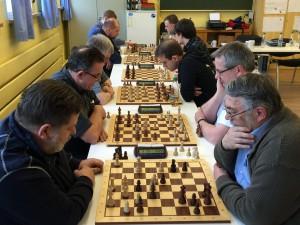 Im Weidhausener BRK-Heim wurde an sechs Brettern hart um den Sieg bei der Blitzeinzelmeisterschaft im Rahmen der Frühjahrsversammlung des Schachkreises CLNK gekämpft