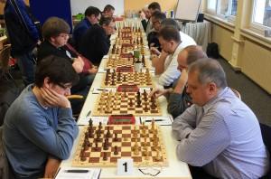 Der Aufsteiger aus Weidhausen (rechte Reihe) lieferte der Kronacher Ersten einen harten Kampf