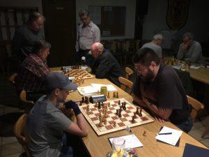 Kampfschach pur gab es beim Spiel der Zweiten in Oberlauter zu sehen